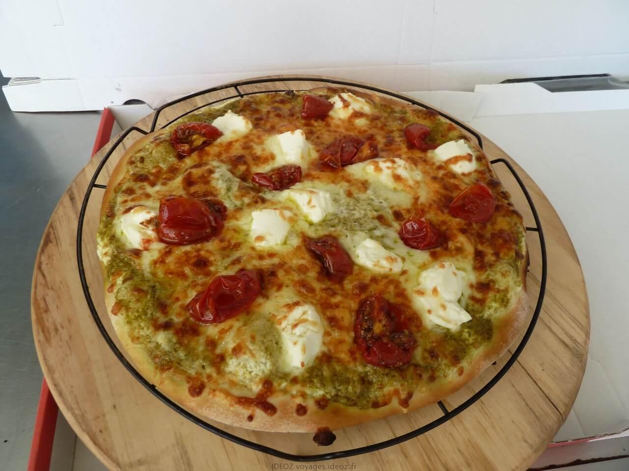 Pizza Tarantella au pesto ricotta et tomates séchées