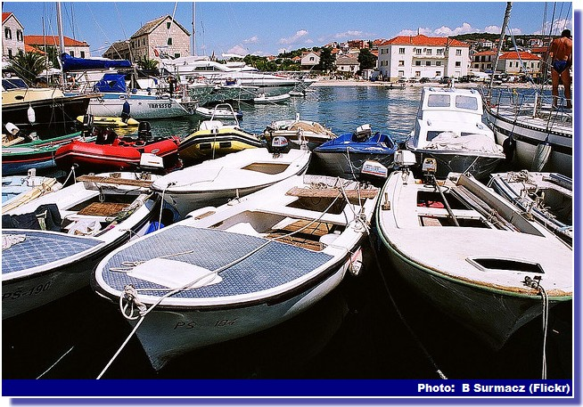 Primosten barques et port