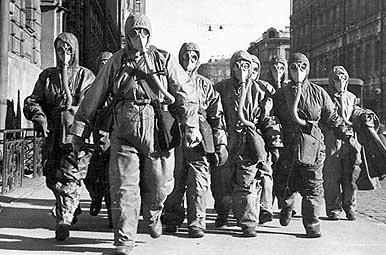 Tchernobyl équipe de liquidateurs masques