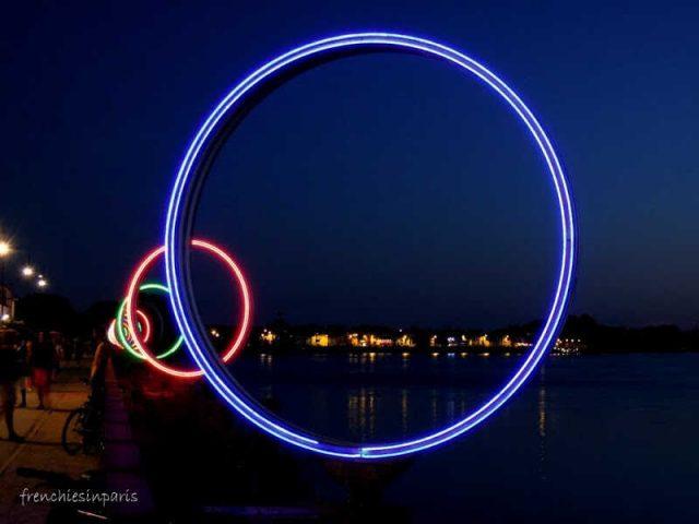anneaux de buren de nuit à Nantes