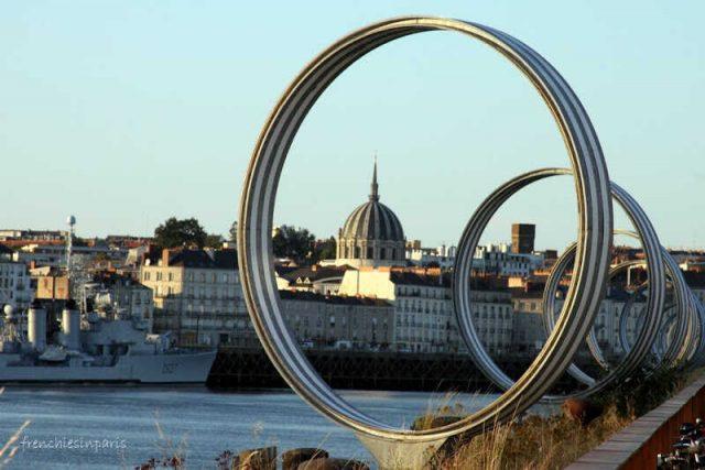 anneaux de buren sur l'ile de nantes