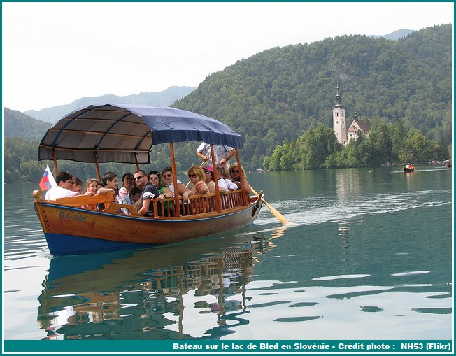 balade en bateau lac de bled