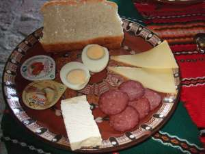 charcuteries fromage et oeuf plat bulgare