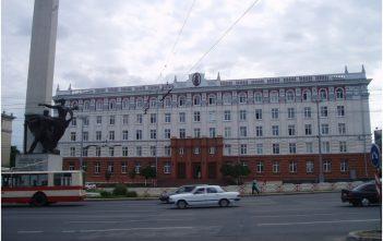 chisinau monuments officiels devant le memorial de la liberation