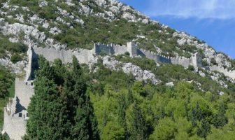 Citadelle de Ston ; la muraille de Chine de l'Europe sur la presqu'île de Peljesac