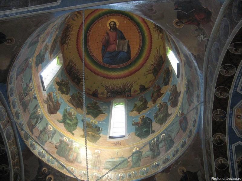 coupole fresques au monastere ciolanu