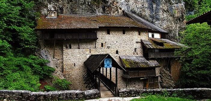 crna reka manastir