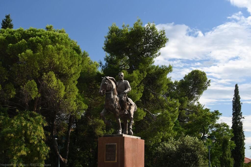 podgorica statue du roi Nikola I. Petrovic Njegos roi du montenegro entre 1910 et 1918 (1)