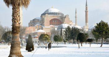 sainte sophie istanbul en hiver sous la neige