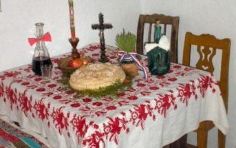 table de réveillon de Noël en Serbie