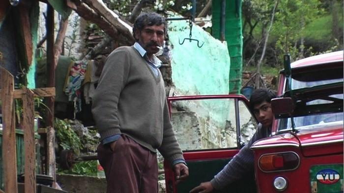 tziganes en serbie voiture