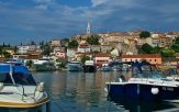 village d'istrie au bord de la mer