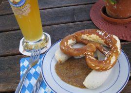 Weisswurst ; la saucisse blanche typique de Munich (Cuisine bavaroise)