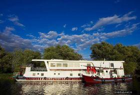 hotel plutitor delta du danube roumanie