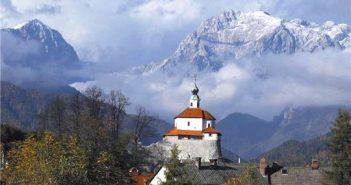 slovenie eglise et montagne