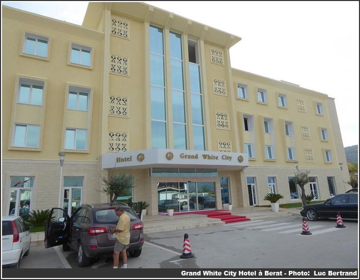 Berat Hotel Grand white city