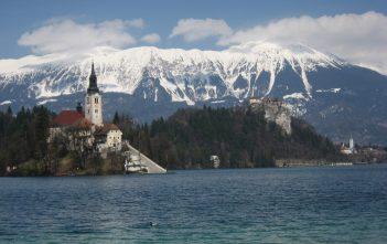 Bled Eglise Saint Martin Alpes Juliennes en Slovénie