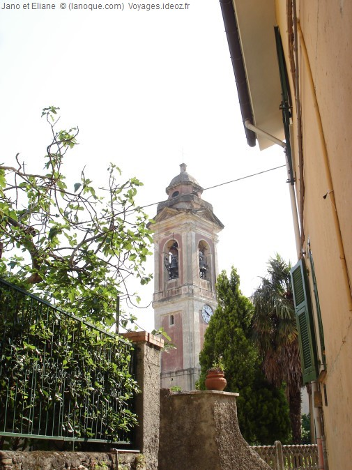 Clocher du village de Deiva Mare