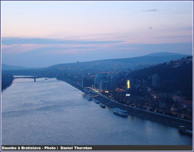 Danube à Bratislava Penombre