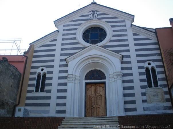 Façade de l'église de Lemeglio