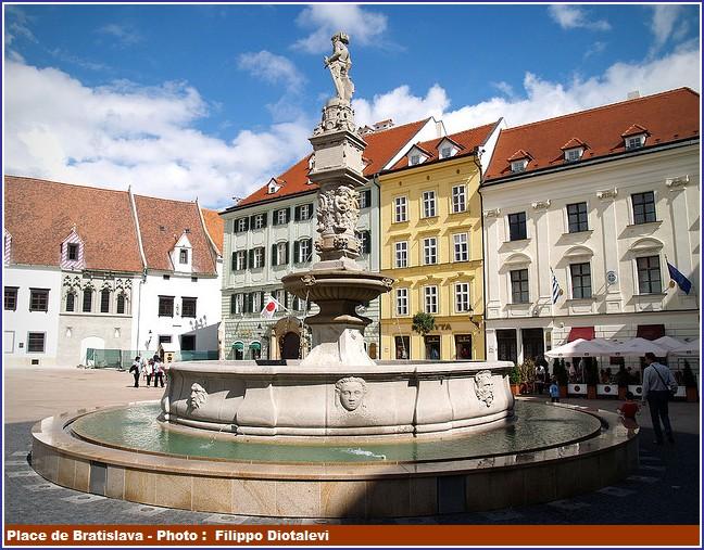 Fontaine et place de Bratislava