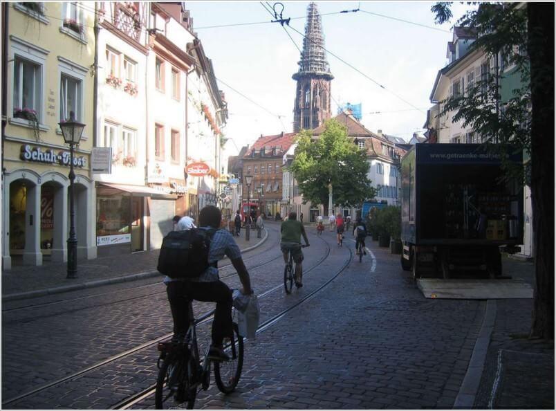 Fribourg cyclistes dans les rues