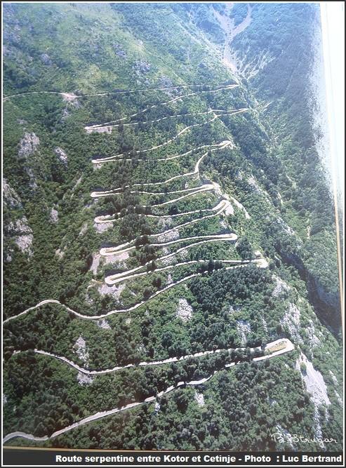 Montenegro route serpentine entre kotor et cetinje