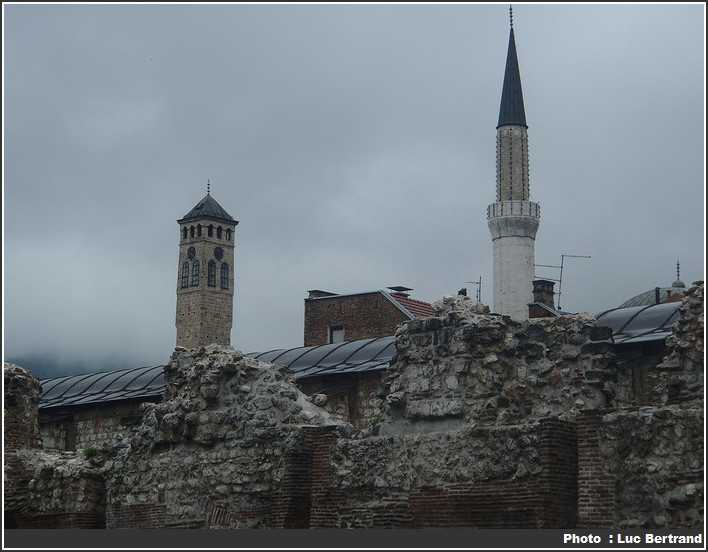 Mostar Mosquee et eglise