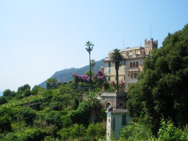 Villa vers village de Framura