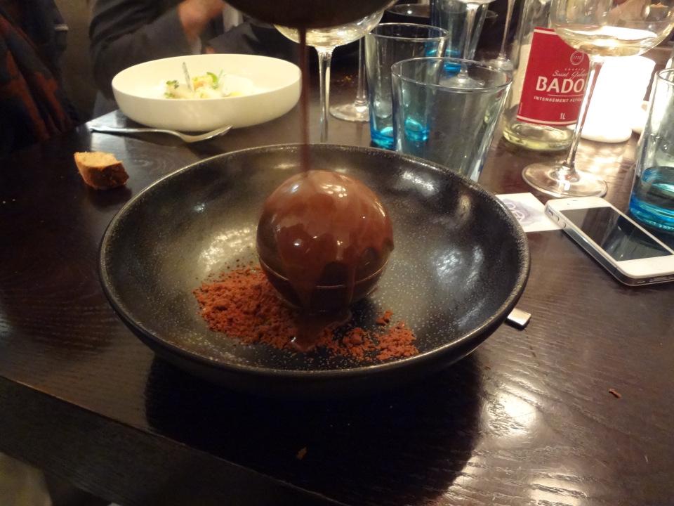 neva cuisine paris 8 sphere au chocolat