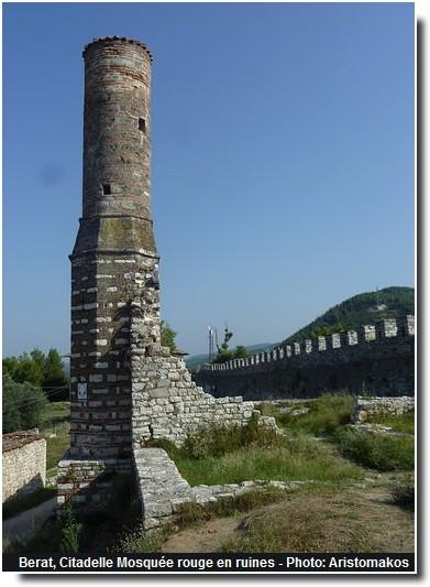 Berat citadelle mosquee rouge en ruine