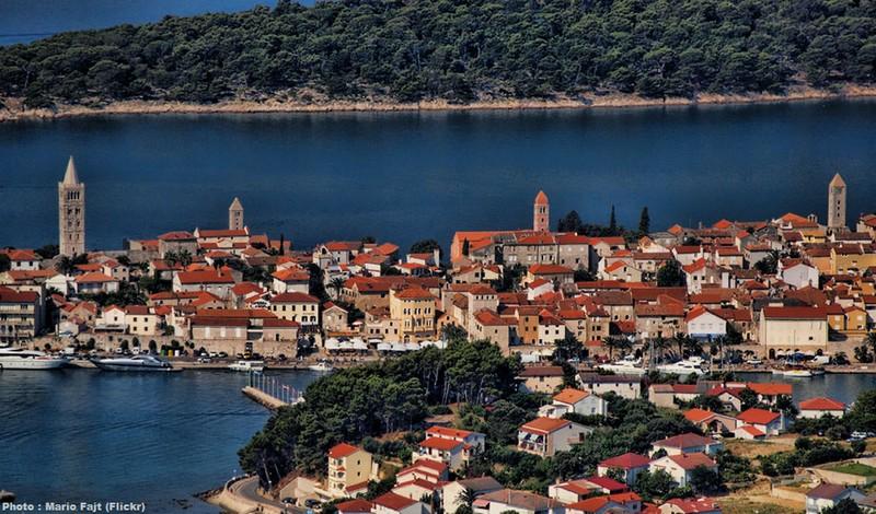 Brochures touristiques gratuites sur la croatie - Office de tourisme la plaine sur mer ...