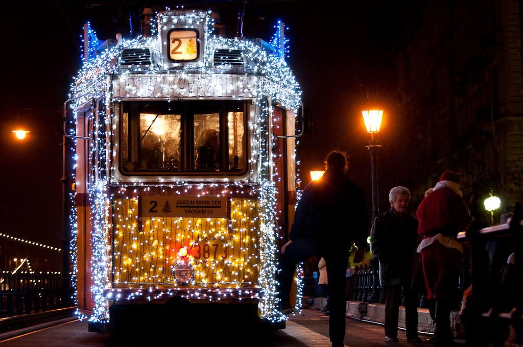 tramway budapest noel