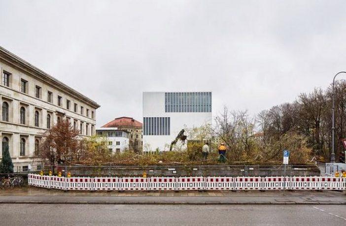 munich konigsplatz Ehrentempel