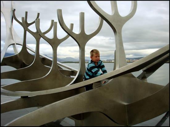 reykjavik sculpture knorr