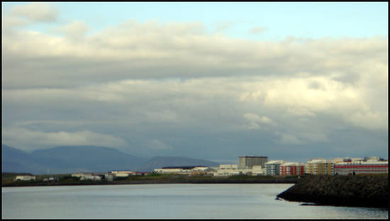 reykjavik sous le ciel gris