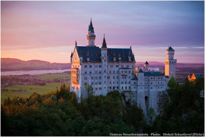 Chateau Neuschwanstein coucher de soleil en Baviere