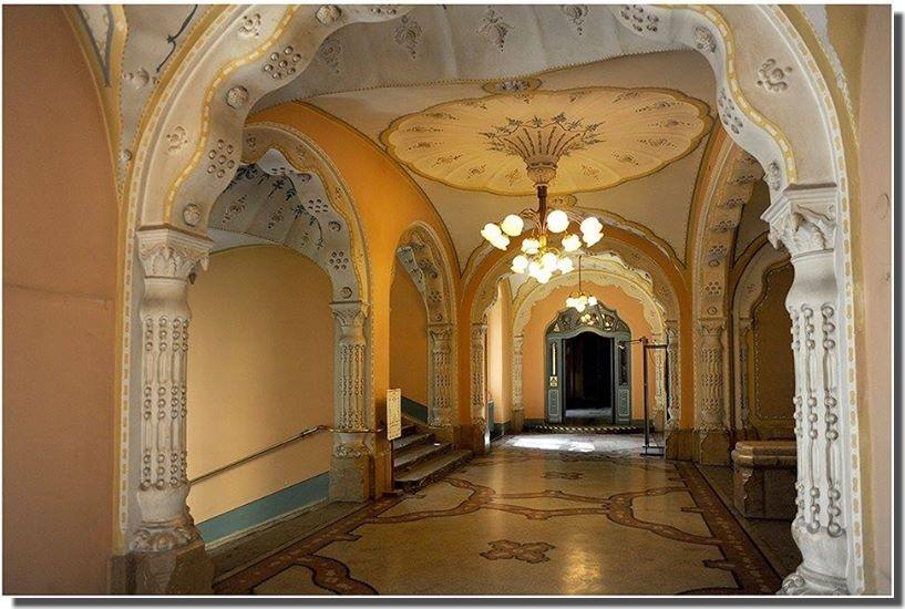 musée des Arts décoratifs odon lechner budapest