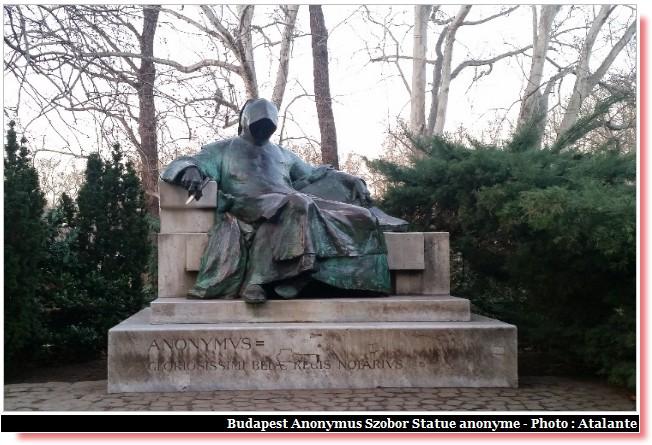 Budapest Anonymus Szobor statue anonyme
