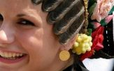jeune femme croate habit folklorique