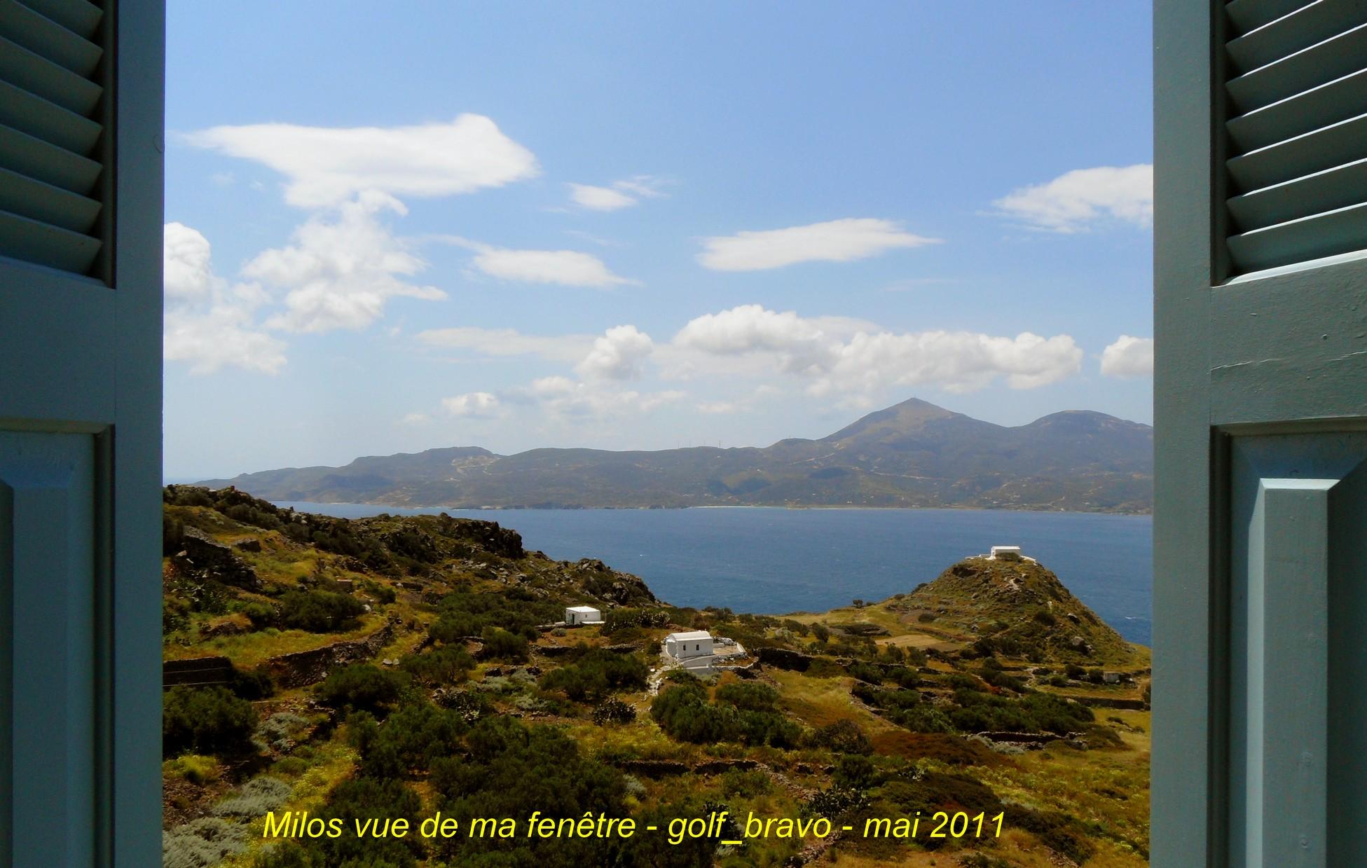 Milos l 39 le de la venus d couvrir les iles grecques en mai for Vue de ma fenetre