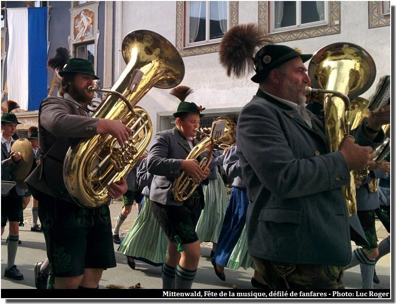 mittenwald fete de la musique joueurs de fanfares