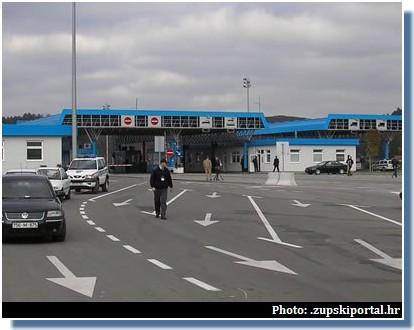 karosovici frontiere entre croatie montenegro