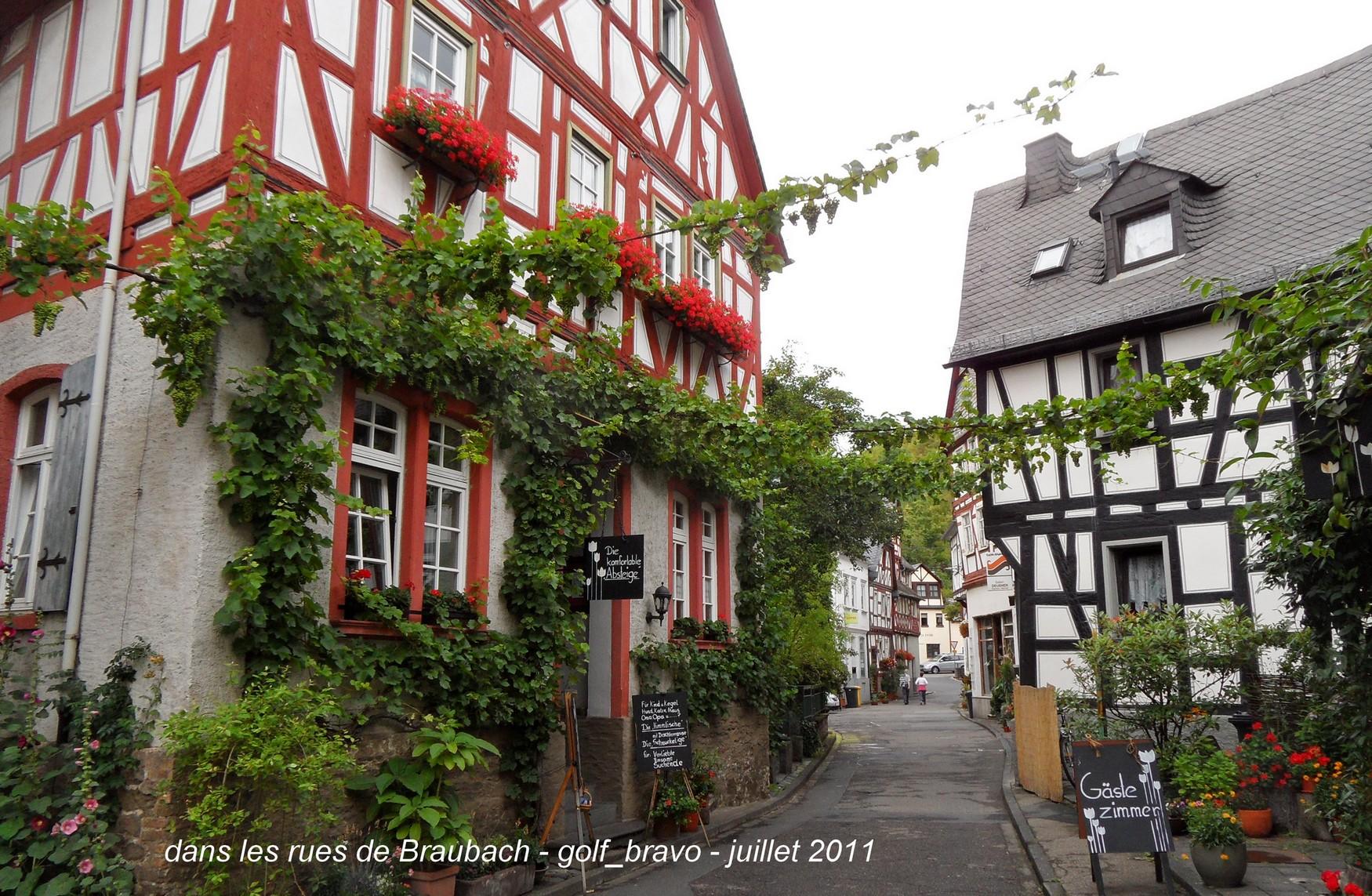 Maisons à colombage à Braubach sur le bord du rhin