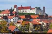 Fuessen en Souabe : vue du chateau médiéval et de la vieille ville