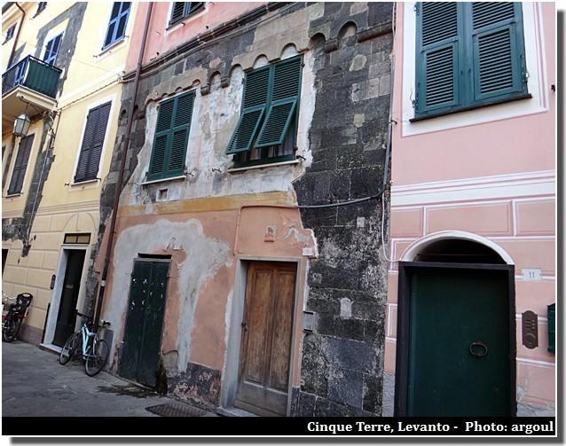 Cinque terre levanto facades