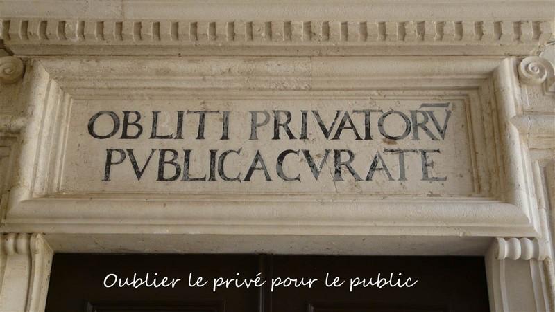 Dubrovnik Citation à l'Entrée du Palais des Recteurs