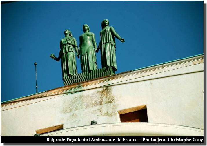 belgrade ambassade de france statues
