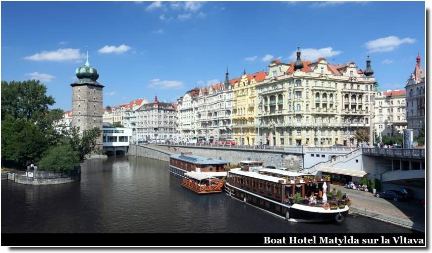 Loger à Prague sur la vltava Boat hotel matylda