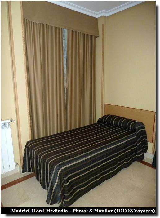 hotel mediodia lit simple